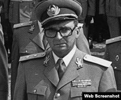 General rumano Mihai Pacepa, exasesor de seguridad del dictador Nicolas Ceacescu.