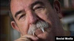 Juan Padrón, en una foto publicada en Facebook por su hijo Ian Padrón.