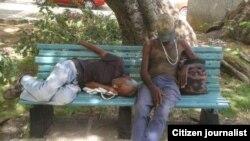 Reporta Cuba mendigos calles foto @jangelmoya
