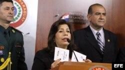La ministra de Defensa de Paraguay, María Liz García, al hacer público un vídeo de la reunión que el canciller venezolano, Nicolás Maduro, mantuvo con altos mandos militares paraguayos.