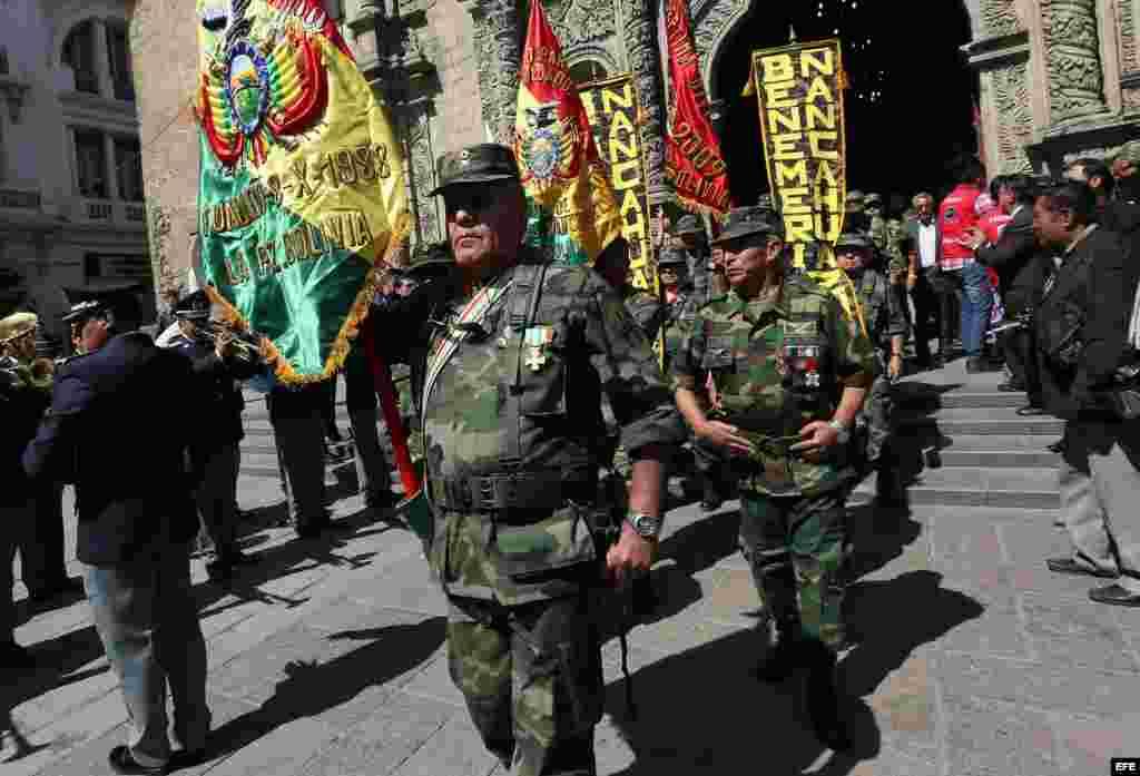 """Soldados bolivianos que vencieron al """"Che"""" Guevara conmemoran a sus caídos"""