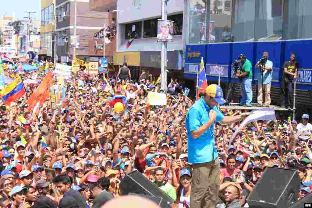 El candidato de la oposición a la presidencia de Venezuela, Henrique Capriles en Cumaná (Venezuela).