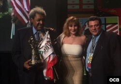 El promotor Don King y el presidente del Consejo Mundial de Boxeo Mauricio Sulaimán (d) durante la Convención 54 del CMB que sesisona en Hollywood, Estado de la Florida. Foto ENG.OCB.