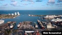 Vista panorámica de Port Everglades.