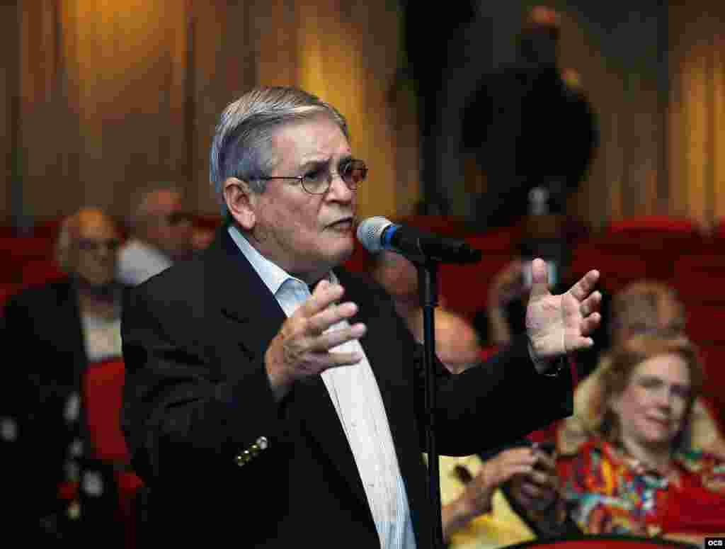 """José Albertini, presidente del PEN Club de Escritores Cubanos, durante su intervención en """"Cuba 2019 Fórum abierto: El exilio habla a Cuba""""."""