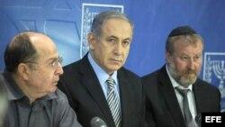 El primer ministro de Israel, Benjamin Netanyahu se reune con su gabinete.