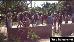 Reporta Cuba. Acto de repudio y asfalto contra la casa de opositores.
