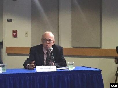 Jaime Suchlicki, Director del Instituto de Estudios Cubanos