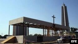 Contruyen altar para primera misa del Papa en Cuba