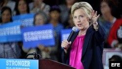 Hillary Clinton habla durante un acto de campaña en Tampa, Florida. EFE/Cristóbal Herrera