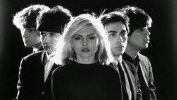 Postmoderno - Celebrando La Música New Wave