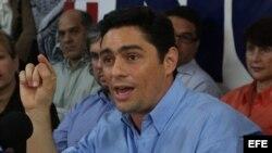 Según el líder del Voluntad Popular (VP), Carlos Vecchio, hay una lucha de poderes dentro del chavismo en Venezuela.