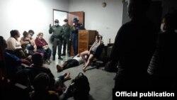 Migrantes cubanos rescatados en naufragio.