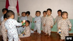 Archivo - Foto facilitada por Cáritas Hong Kong de varios niños norcoreanos en el Hogar Infantil de Hamhung (Corea del Norte)