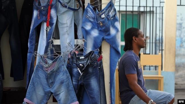 Tráfico de mercancías, una estrategia para sobrevivir en Cuba