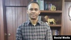 El pastor evangélico Alaín Toledano. (Foto perfil de Facebook).