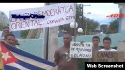 Gritos de ¡Abajo el hambre! ¡Abajo la dictadura! en Caimanera
