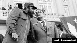 Fidel Castro visitó tres semanas a su amigo Salvador Allende en Chile, en noviembre de 1971.