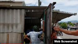 Con sus viviendas en pésimas condiciones esperan muchas familias la llegada del huracán Irma en la región oriental de Cuba.