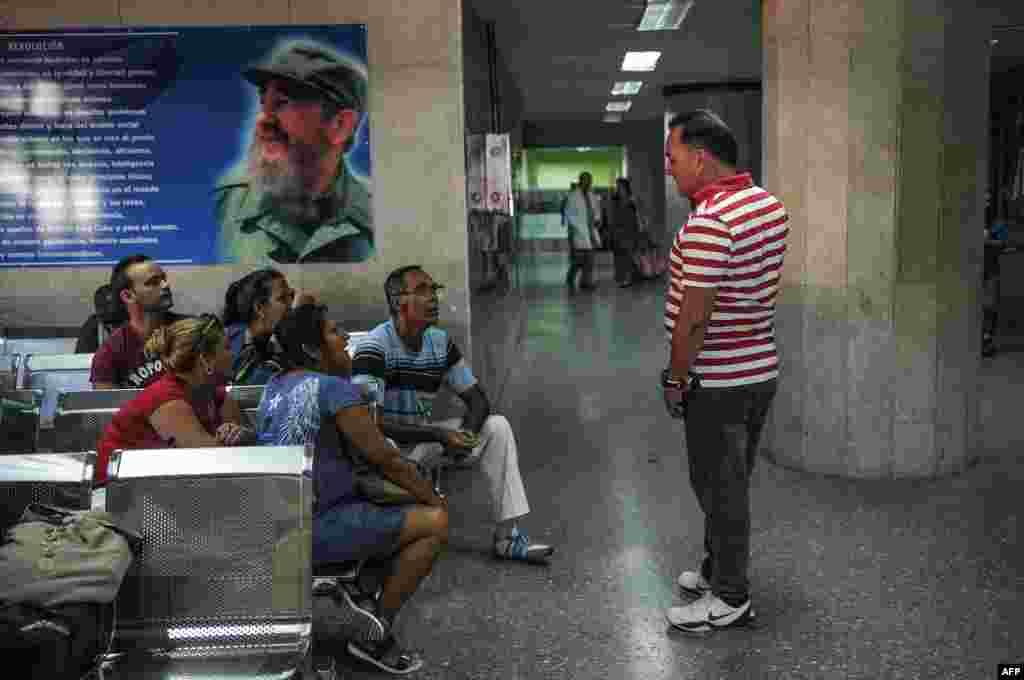 """Una foto del Fidel Castro en el Hospital """"Comandante Manuel Fajardo"""", en La Habana."""