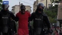 Otro día de protestas y represión en Cuba