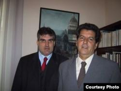 Los hermanos Carlos y Oswaldo Payá (i-d) se retratan por última vez en enero de 2003.
