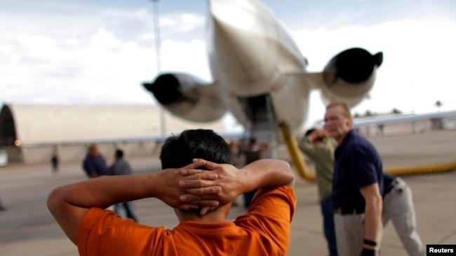 Resultado de imagen para 120 cubanos deportados