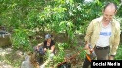 El biólogo encarcelado Ariel Ruiz Urquiola en su finca del valle de Viñales (Lia Villares)