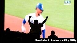 Los Dodgers de Los Angeles celebran su victoria. Son los campeones de las Ligas Mayores. (Frederic J. Brown / AFP).