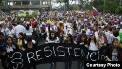 Mujeres protagonizan marcha de ollas vacías en Venezuela