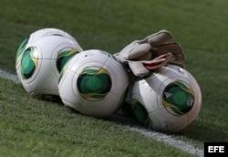 Balones oficiales de la FIFA durante el entrenamiento