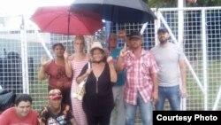 Un grupo de cubanos en Trinidad y Tobago busca asilo en EEUU.