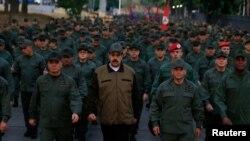 Nicolás Maduro junto a Vladimir Padrino y Remigio Ceballos.