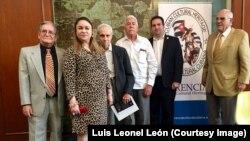 """Autores cubanos en la conferencia """"Educación y literatura para una Cuba Democrática""""en Coral Gables"""