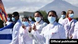 Médicos cubanos en Perú, en una foto de la agencia oficial cubana Prensa Latina.