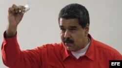 Maduro vota en elección de Asamblea Constituyente en Venezuela.