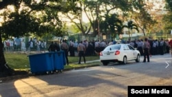 Fuerte despliegue policial en huelga de estudiantes del Congo. Foto tomada del perfil de Junior Bokaka en Facebook.