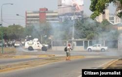Guardias Nacionales y policías llegaron en tanquetas para tratar de controlar cerca de una decena de residenciales de Barquisimeto y Cabudare