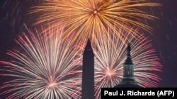 Tradicional celebración con fuegos artificiales en Washington, por el Día de la Independencia.