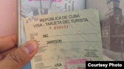 """La compra de los pasajes aéreos a Cuba va """"convoyada"""" con la de una visa cubana, pero esta no garantiza que le dejen entrar en la isla."""