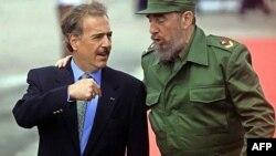 Andrés Pastrana y Fidel Castro en Cuba en 1999.