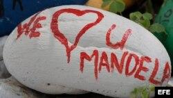 Peticiones por la salud y recuperación de Nelson Mandela