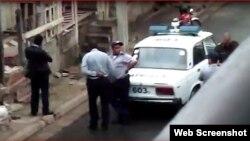 Agentes de la Seguridad del Estado durante un operativo en Santiago de Cuba.