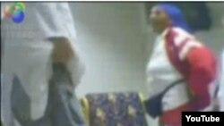 La televisión cubana graba con cámara oculta a Reyna Luisa Tamayo