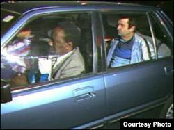 El embajador de Cuba en Londres, Oscar Fernández Mell, es expulsado de Londres.