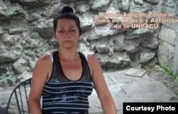 Darmis Aguedo esposa de Losada Igarza tambien en huelga para apoyarlo