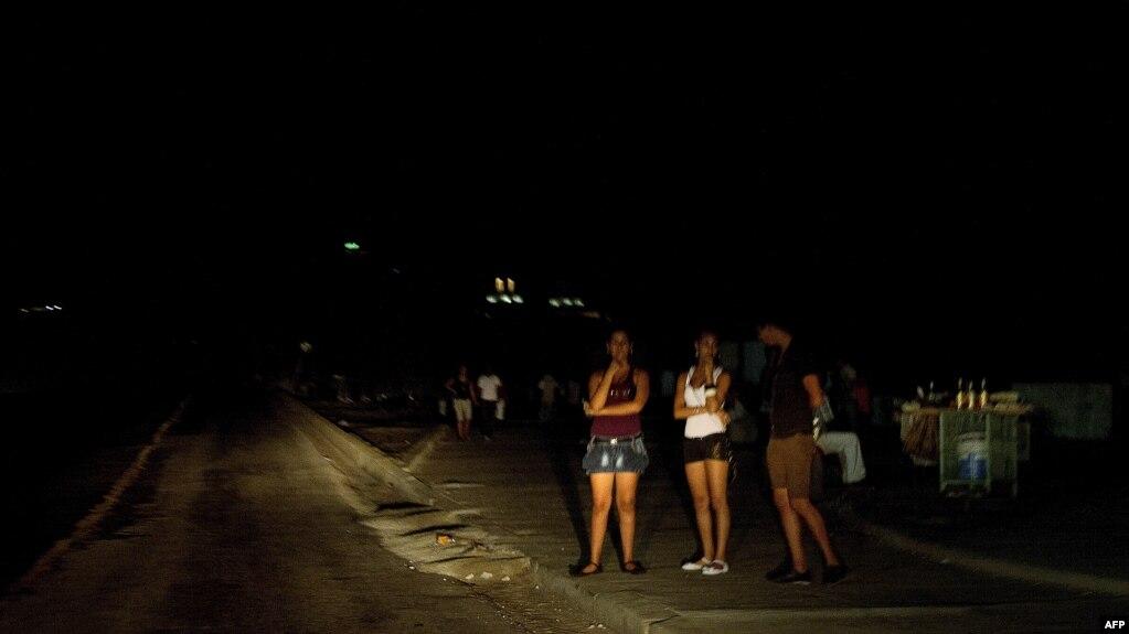 Apagones en Cuba. Foto Archivo AFP/ Adalberto Roque.