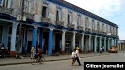 Reporta Cuba: Céntrica calle de Placetas.Hotel Los Laureles /Foto José Ramón Borges.