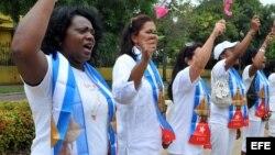 Acoso contra Damas de Blanco en 11 aniversario de la Primavera Negra