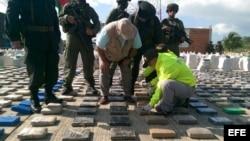 Paquetes de droga incautados el domingo 15 de mayo de 2016, en Turbo (Colombia).